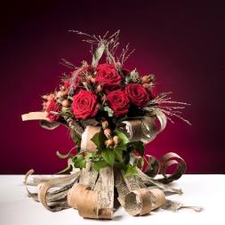 porta-nova-red-naomi-red-rose-bouquet-inspiration-11