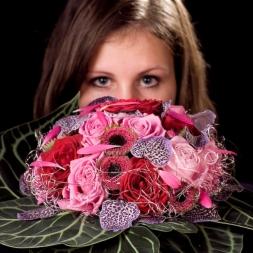 porta-nova-red-naomi-red-rose-bouquet-inspiration-3-1