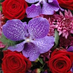 porta-nova-red-naomi-red-rose-bouquet-inspiration-3