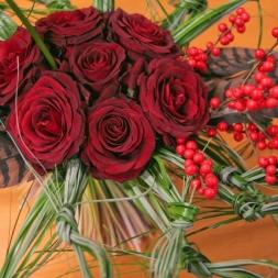 porta-nova-red-naomi-red-rose-bouquet-inspiration-4-1