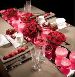 Porta Nova's Red Noami floral design competition.