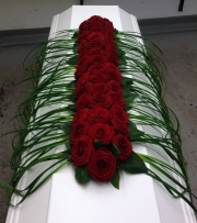 porta-nova-red-naomi-red-rose-funeral-inspiration-2