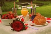 Porta-Nova-Red-Noami-Wedding-roses-inspiration- 4