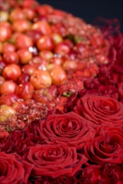 porta-nova-red-naomi-red-rose-wedding-inspiration-3-3