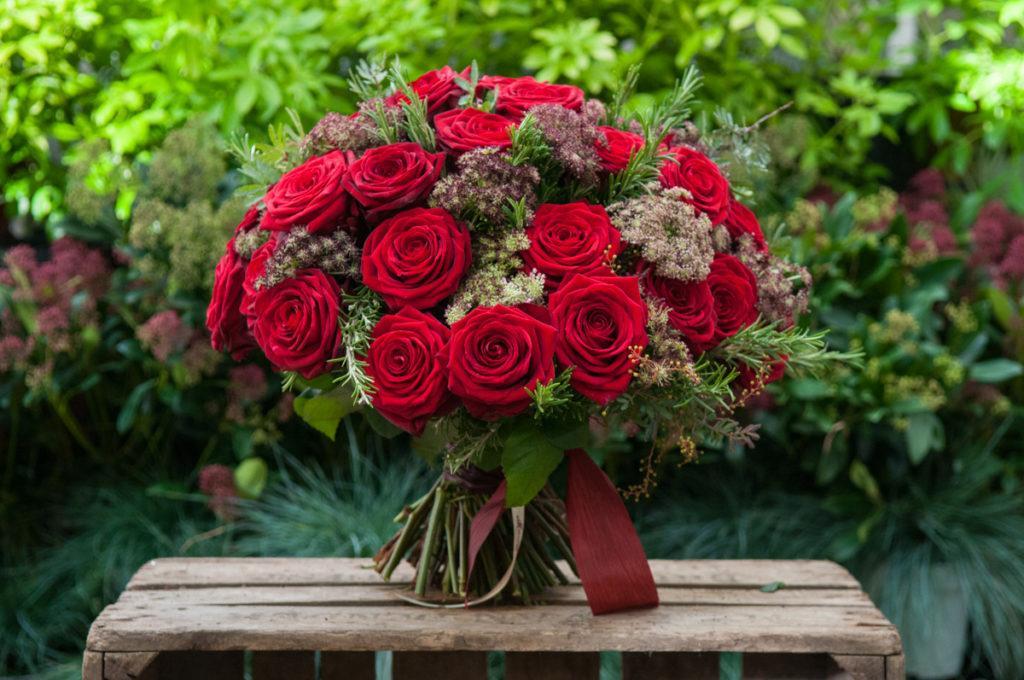 mother's day bouquet red naomi porta nova ivvo