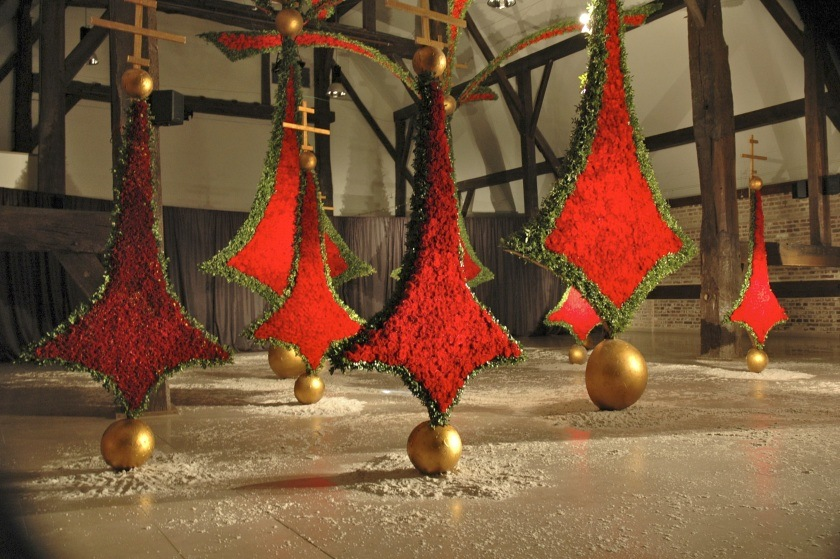 Stef Adriaenssens christmas porta nova red naomi