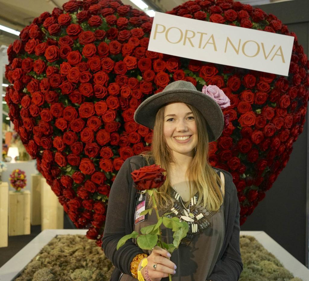 Valentine's Day ultimate symbol of love porta nova red naomi roses 15