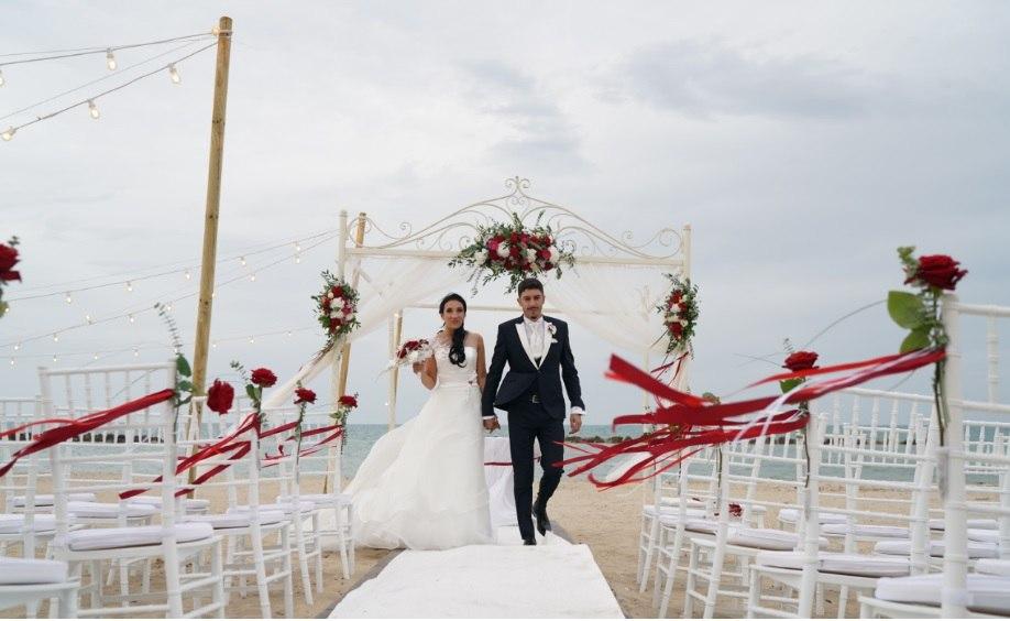 beach wedding with porta nova red naomi white naomi ivana spinelli 45