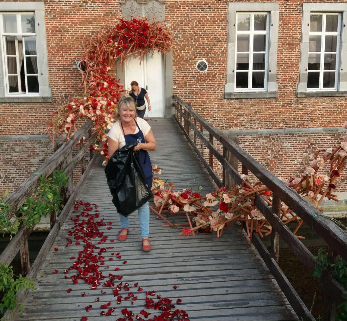 Lana bates fleuramour alden biesen porta nova roses red naomi adding flowers