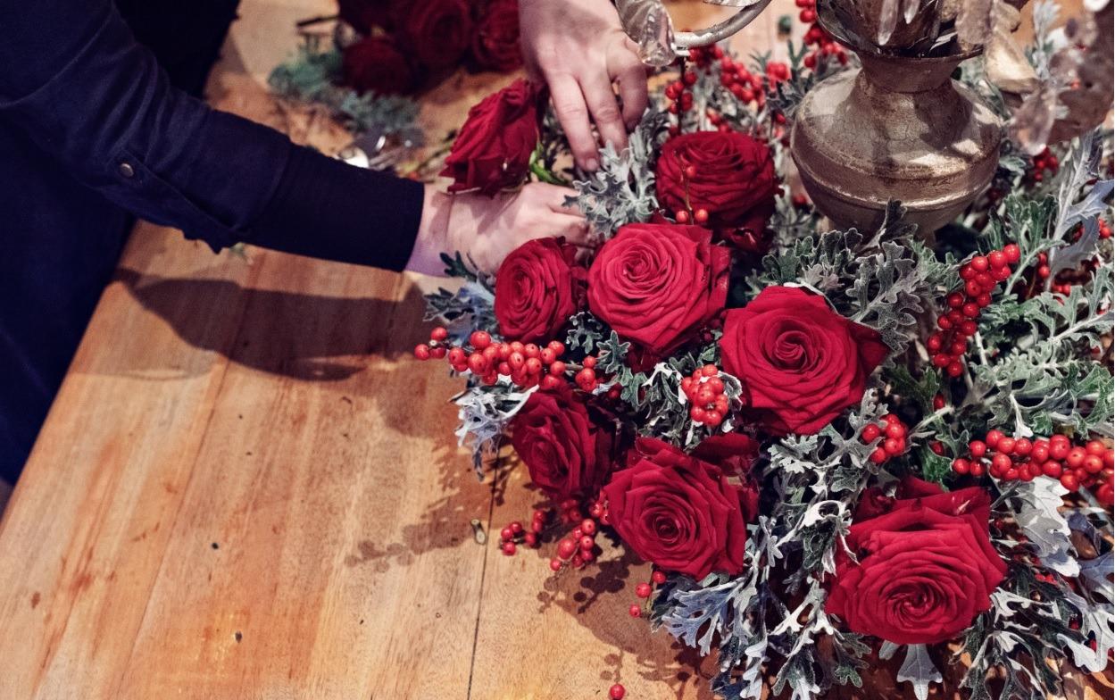 Sarah Crookstone porta nova Christmas red naomi dinner table 11