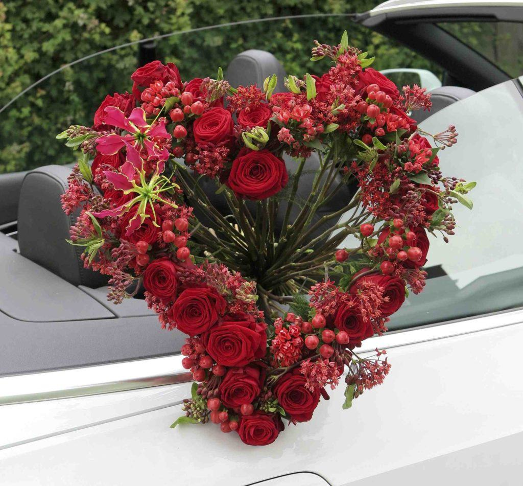 Roman Steinhauer's porta nova love heart Valentine's Day Floral Fundamentals