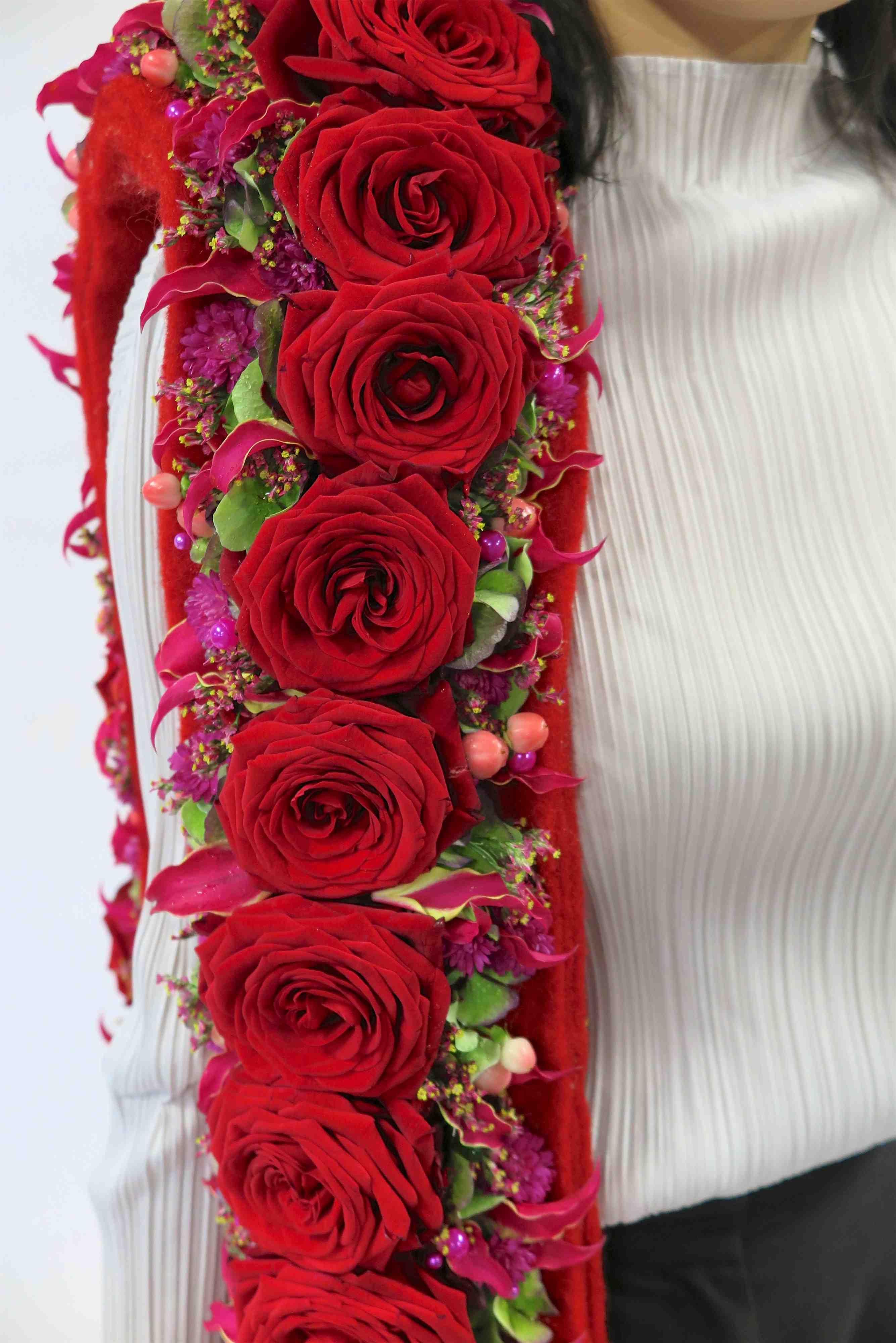 porta nova red naomi alex segura spanish designer valentines day