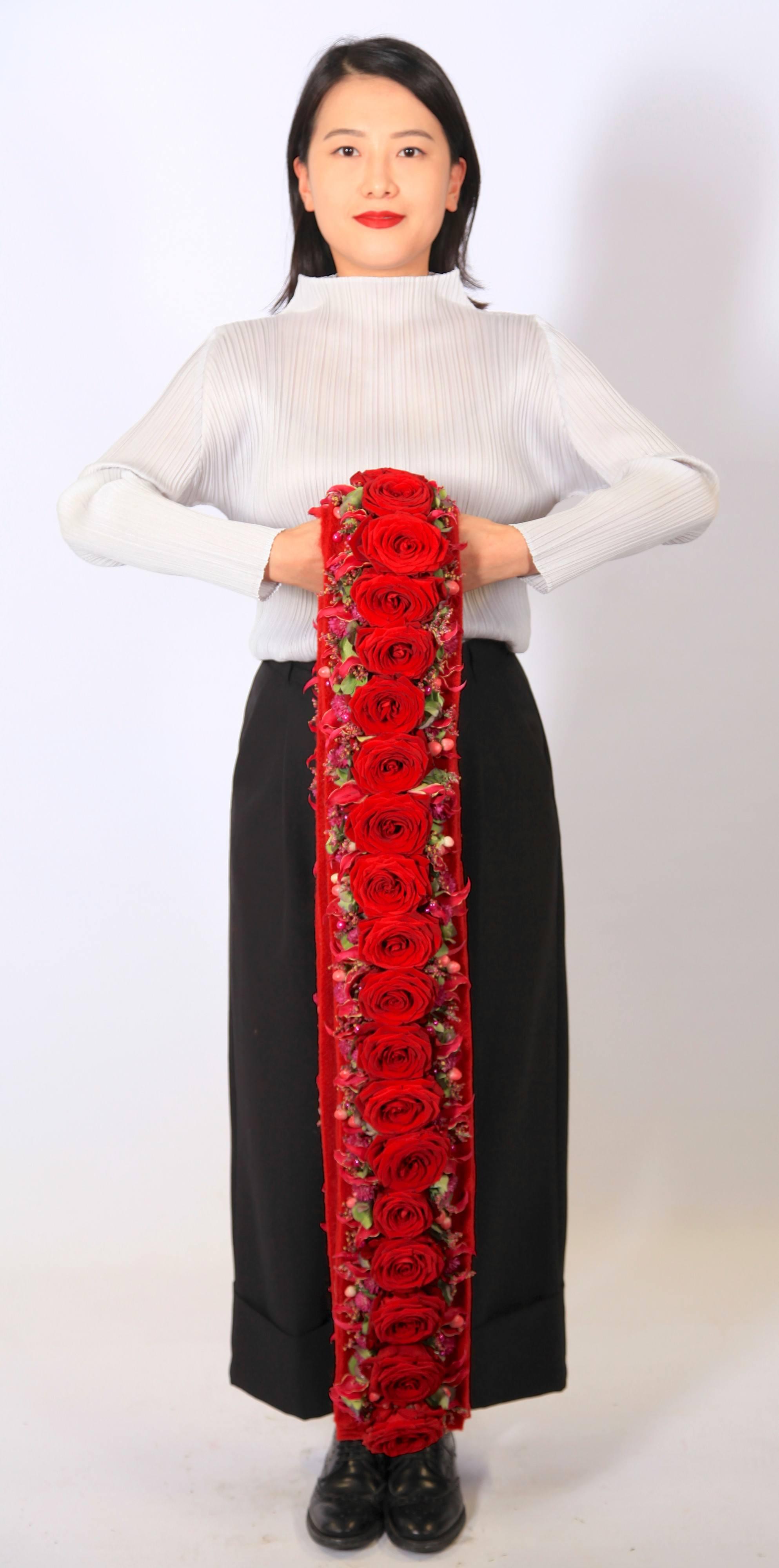 porta nova red naomi alex segura spanish designer valentines day 33