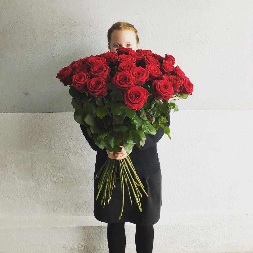 porta nova red naomi red flowers