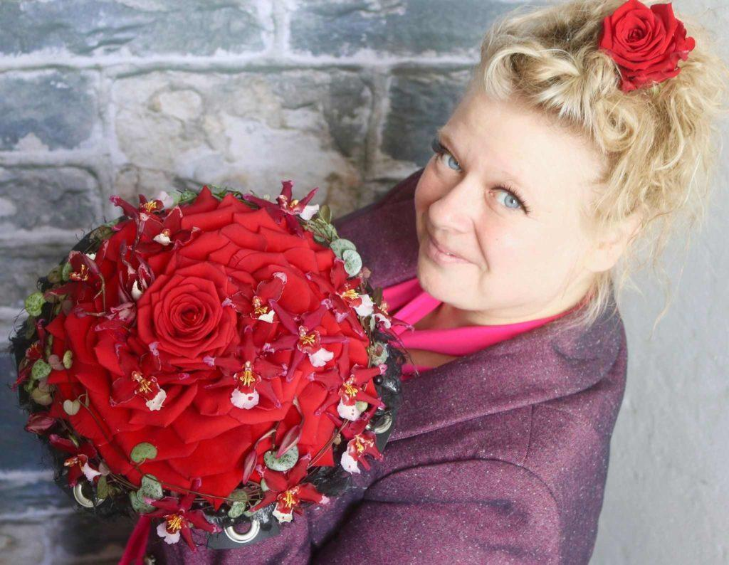 pirjo koppi with porta nova red naomi bouquet
