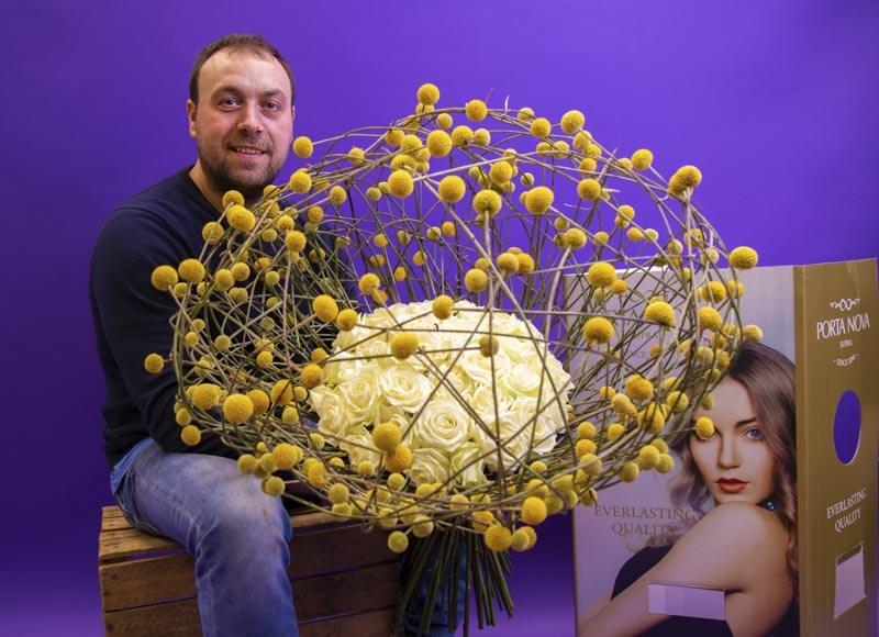 Ioachim Erema Galaxy Bouquet with Porta Nova White Naomi roses