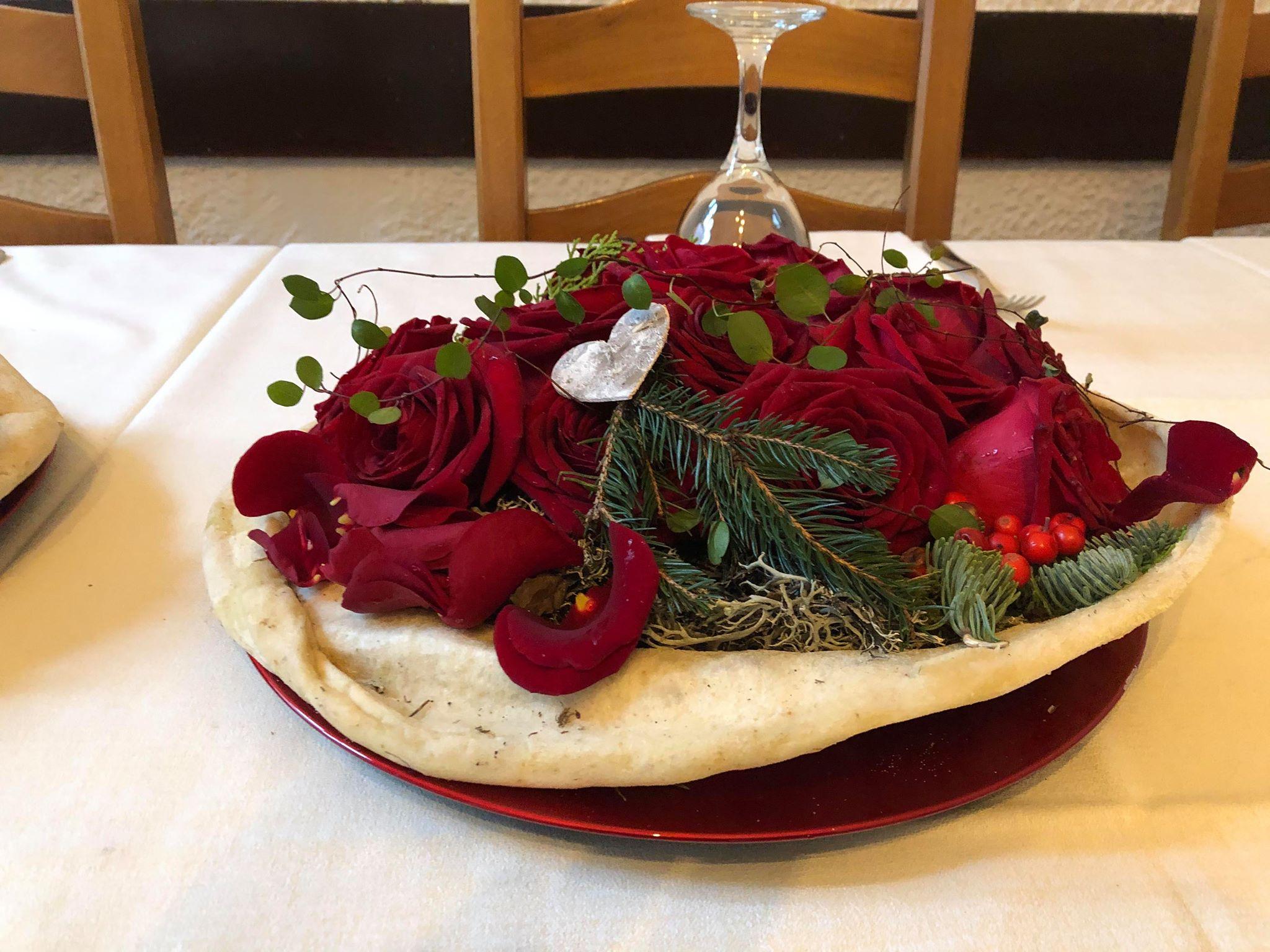 Porta Nova Red Naomi floral 'pizza' table design from Cesare Bianchi