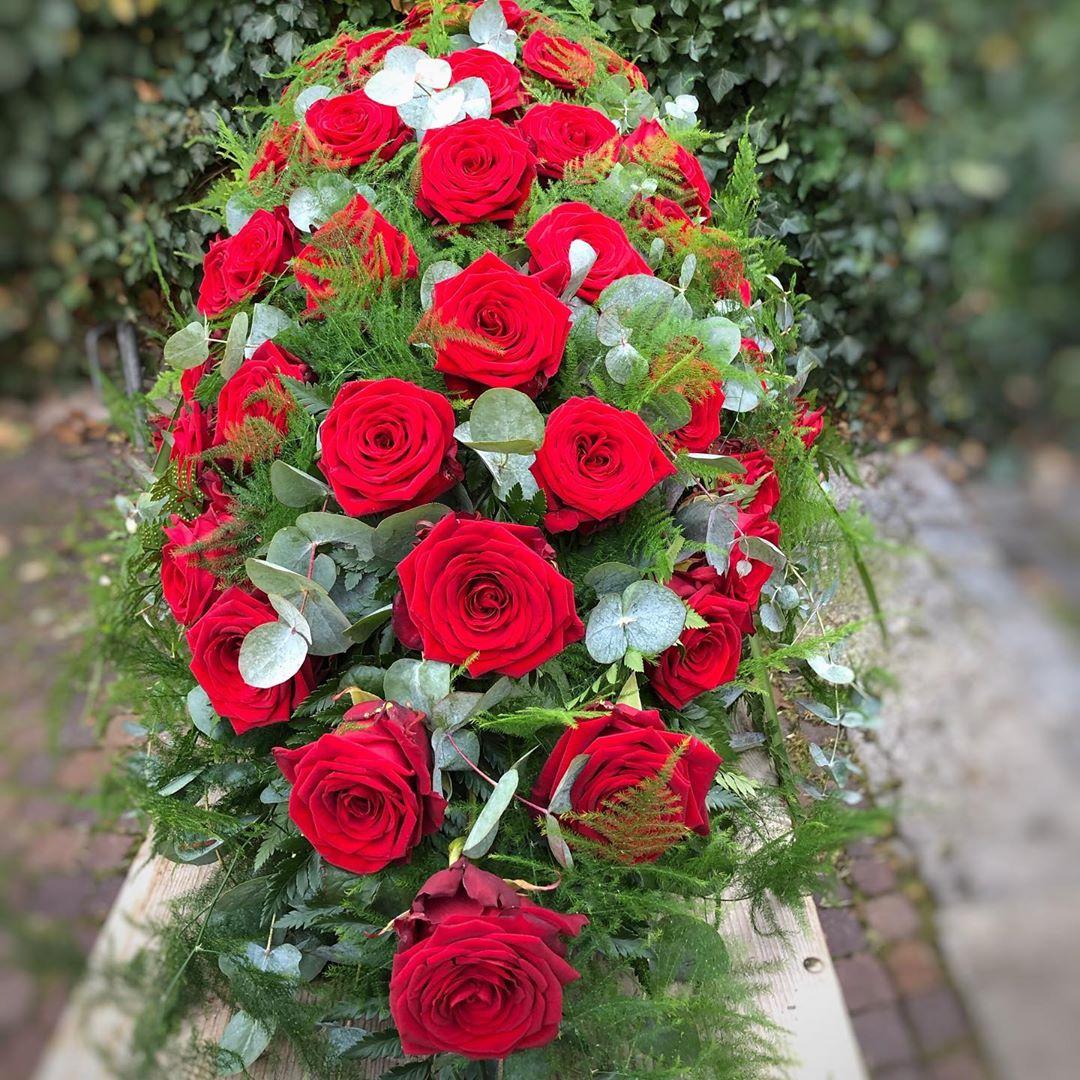 Amazing Porta Nova Sympathy Wreaths by Nadine Siegert 2