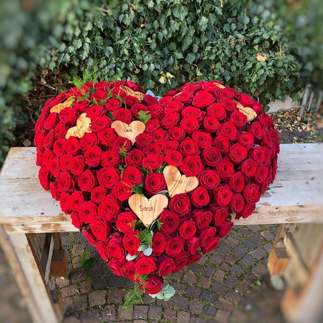 Amazing Porta Nova Sympathy Wreaths by Nadine Siegert