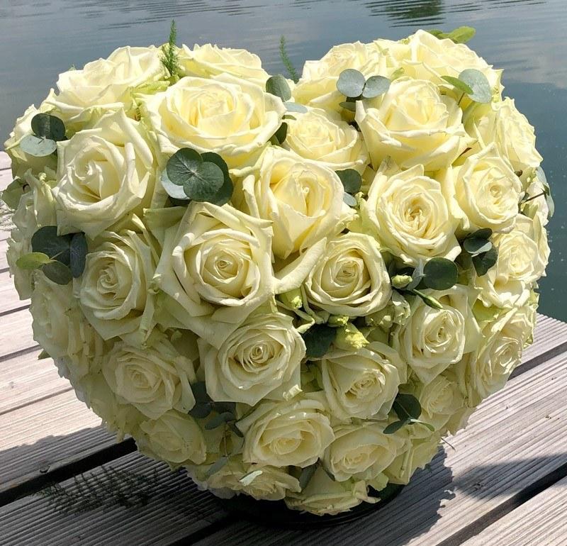 Porta Nova White Naomi Heart-shaped floral designs by Nadine Siegert