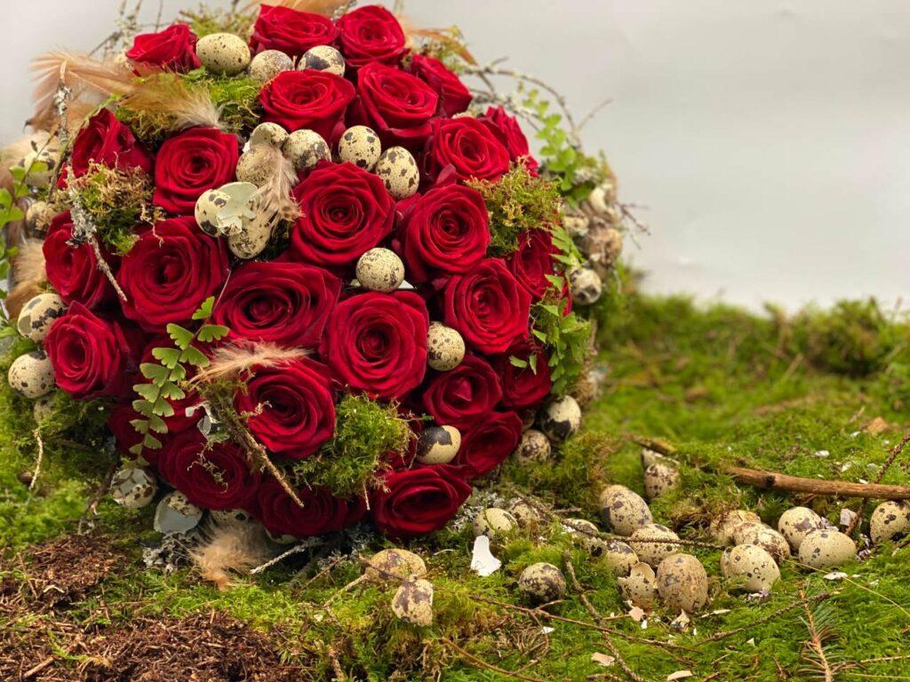 Easter arrangement by Claudia Tararache red naomi