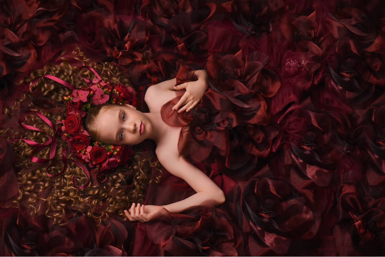 """""""This is what good vibes, creativity, teamwork and gorgeous roses get you"""" Claudia Tararache"""