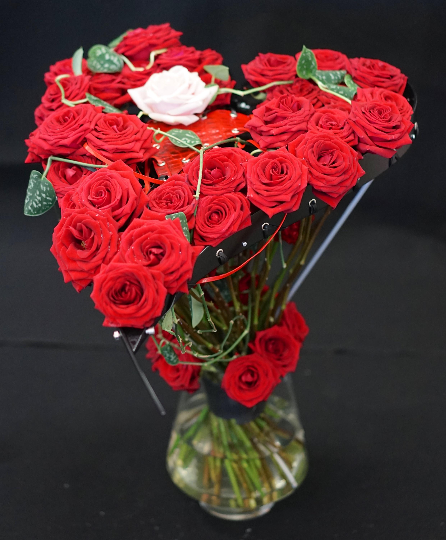 porta nova red naomi bouquet
