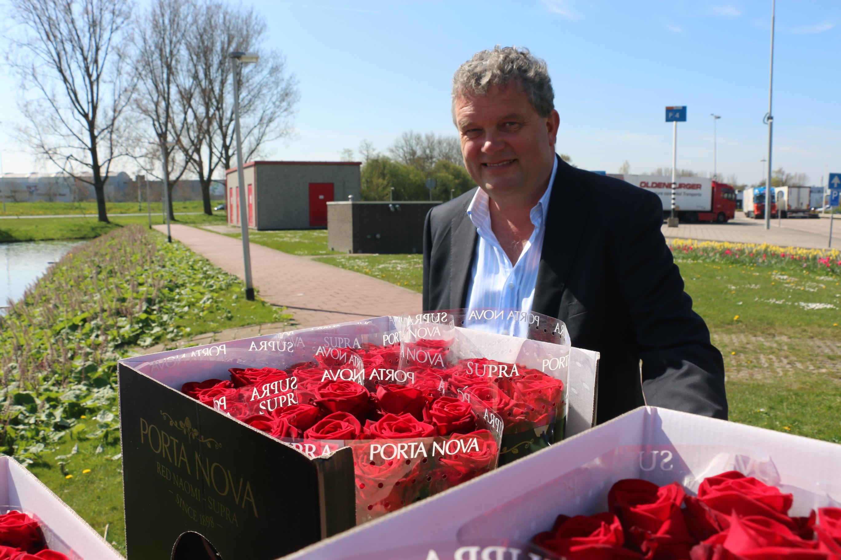 Porta Nova Red Naomi Red roses St Jordi barendsen
