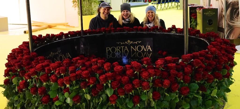 Porta-Nova-Red-Naomi-wishing well-53