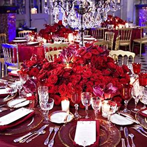 Table decoration with Porta Nova Red Naomi roses by Jeff Leathem