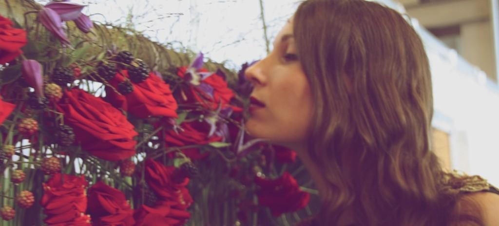 porta-nova-Red Naomi-valentine-