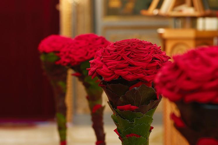 porta-nova-red-naomi-red-rose-wedding-inspiration-22
