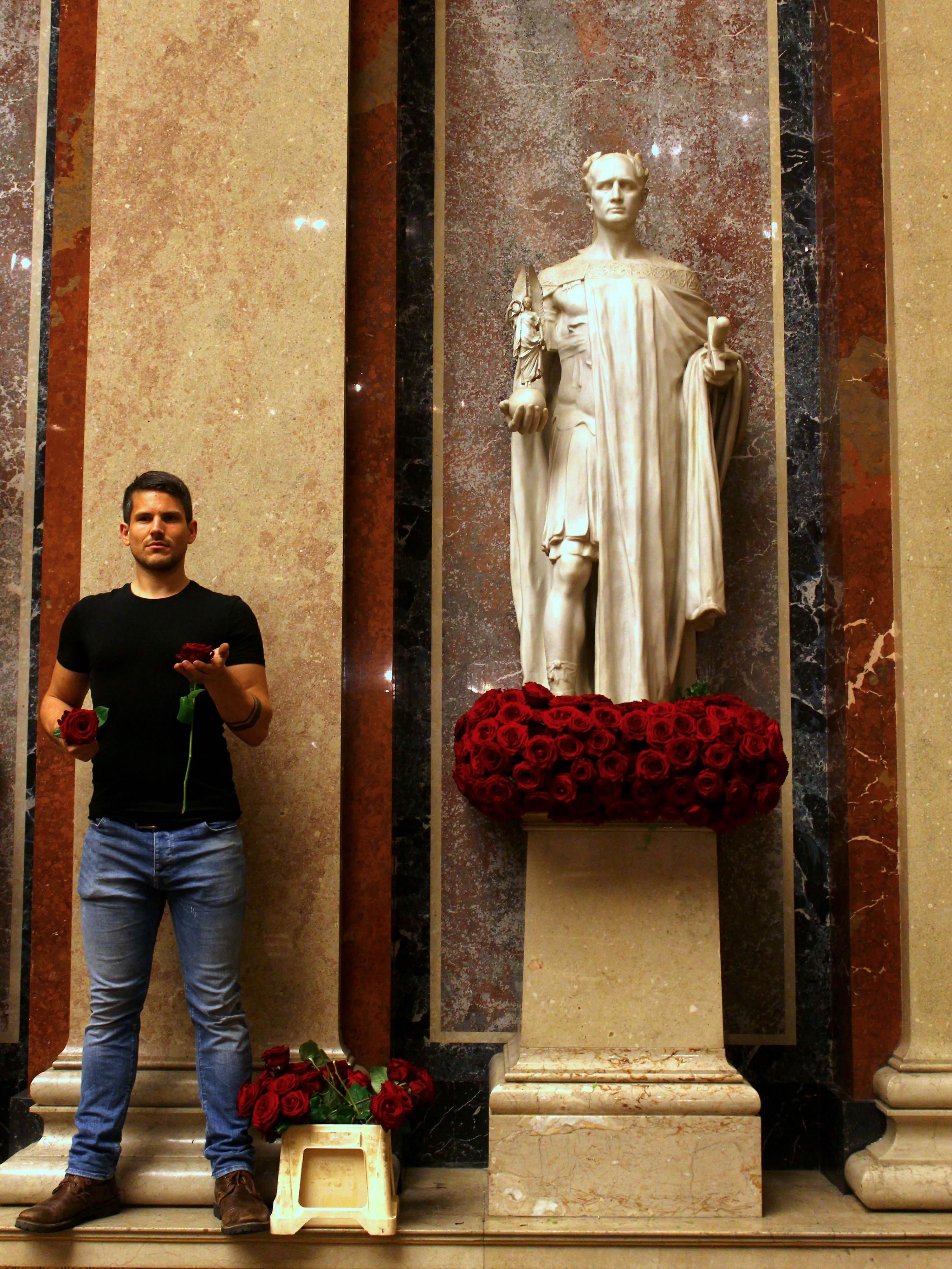 Timo bolte Austrian President inauguration porta nova red naomi 2